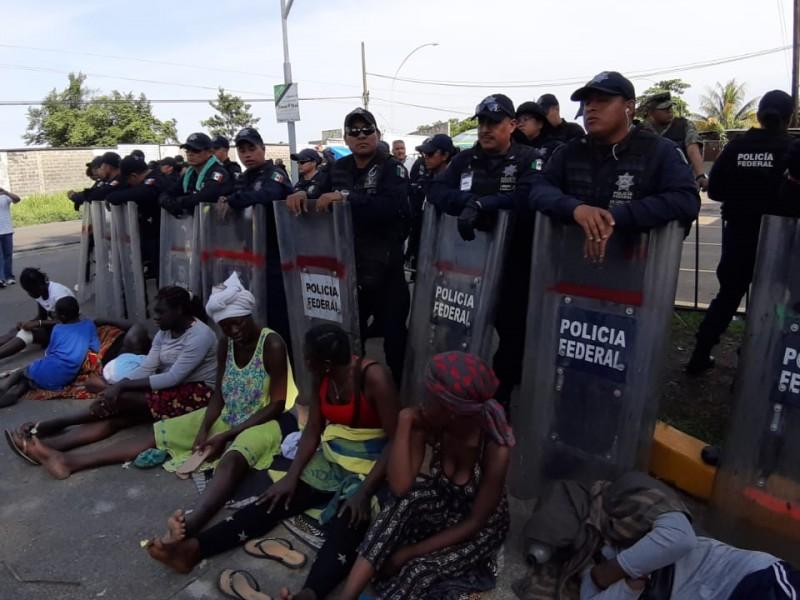 10 días de protestas en instalaciones del INMI