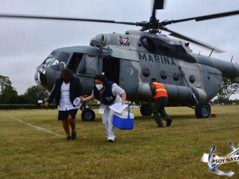 100 marinos participan en vacunación a maestros en Campeche
