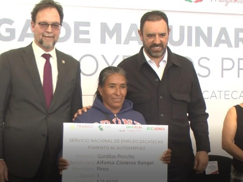 109 zacatecanos beneficiados con autoempleo