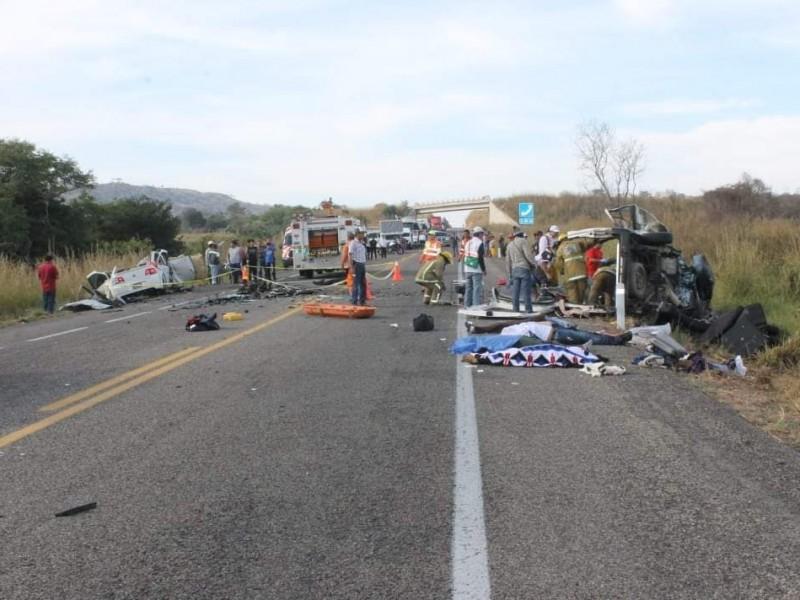 11 muertos y seis lesionados en trágico accidente
