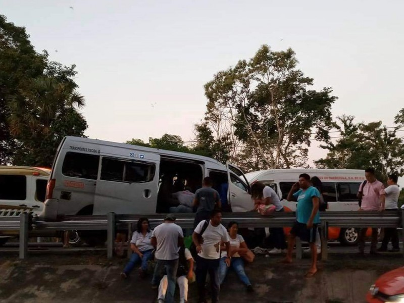 12 heridos en accidente carretero en Huehuetán