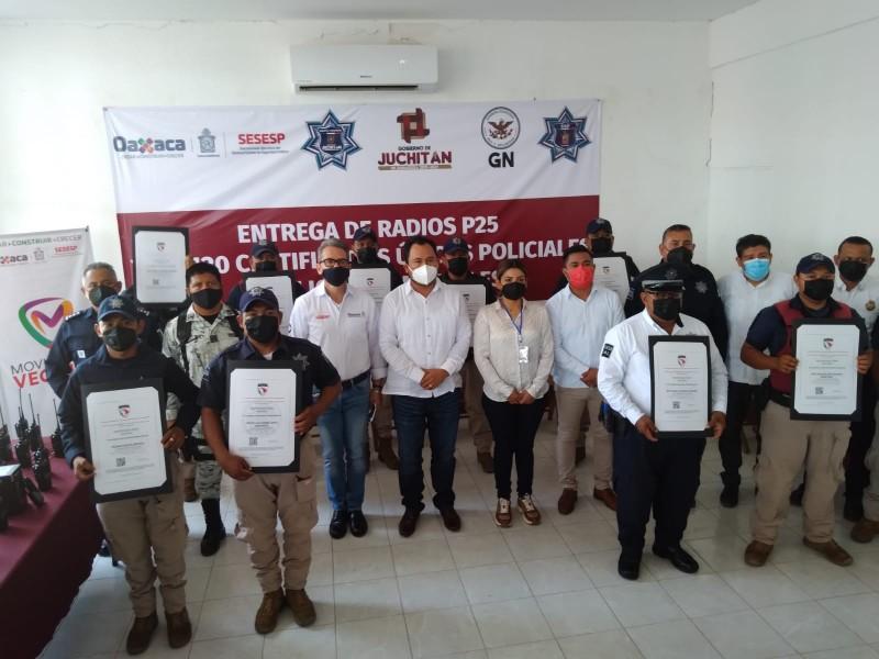 120 elementos de seguridad de Juchitán reciben Certificado Único Policial