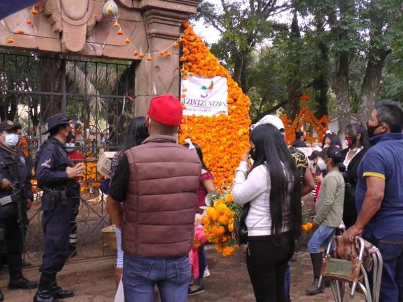 Casi 130 mil turistas visitaron Michoacán durante noche de muertos