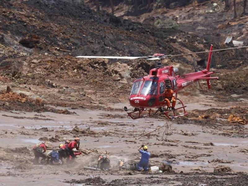 160 desaparecidos por desastre en represa brasileña
