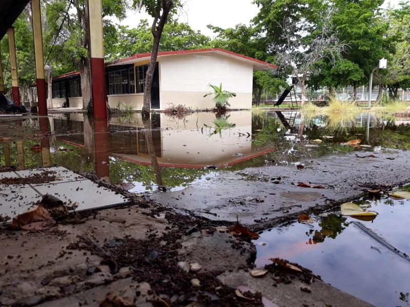 170 escuelas del nivel básico con daños tras las lluvias