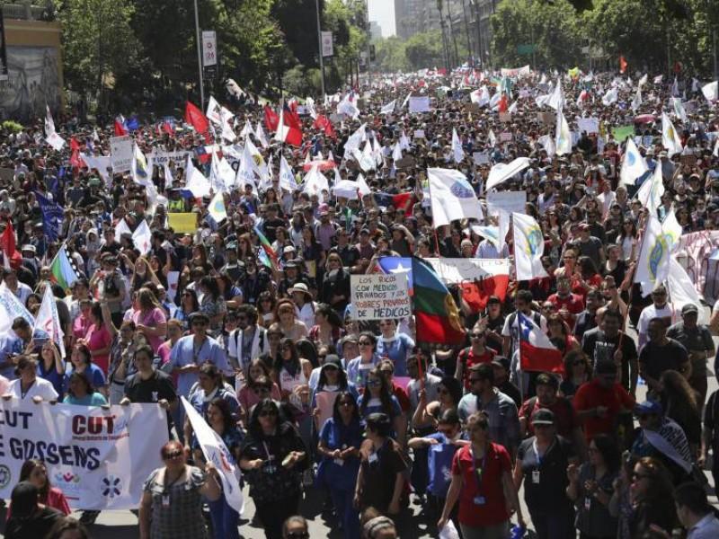 20 mil chilenos han sido acusados por protestas