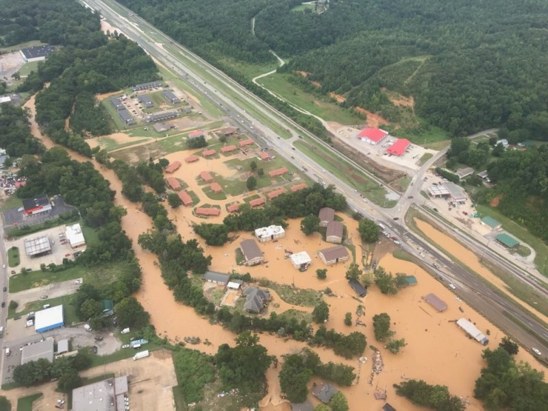 22 muertos tras inundaciones en Tennessee