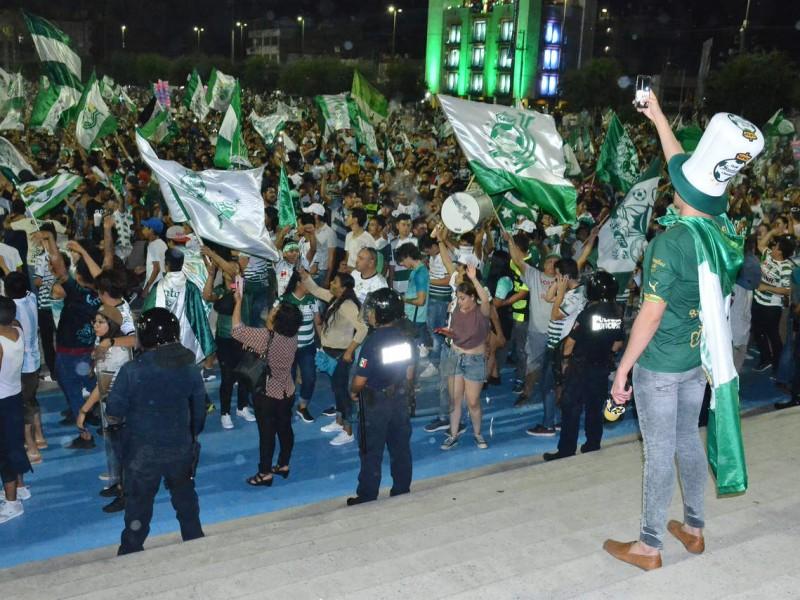 22 personas fueron detenidas durante festejo de Santos