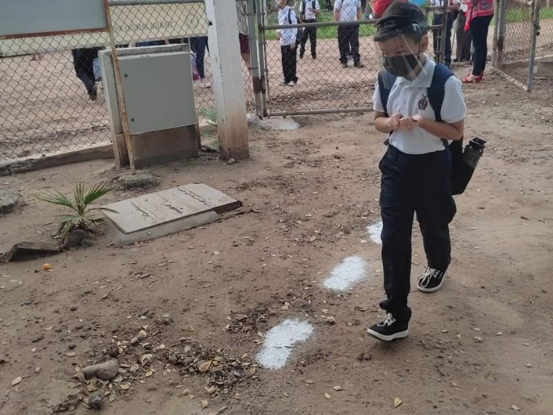 220 escuelas en Ahome regresaron hoy a las aulas