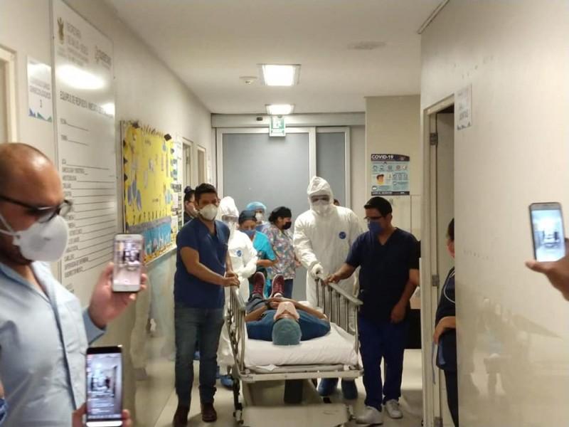 221 trabajadores del sector salud contagiados de COVID-19