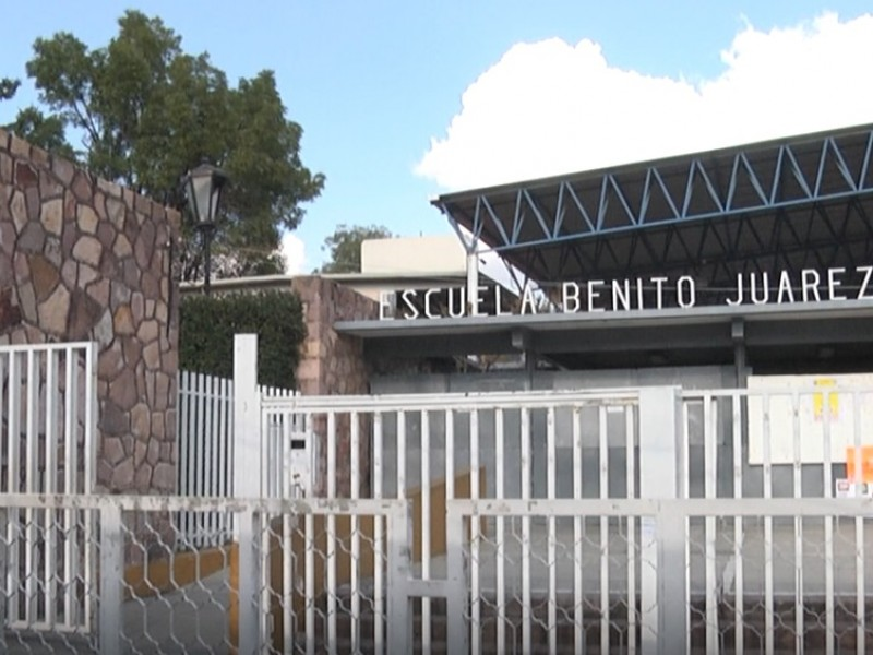 23 docentes despedidos por supuesto abuso sexual