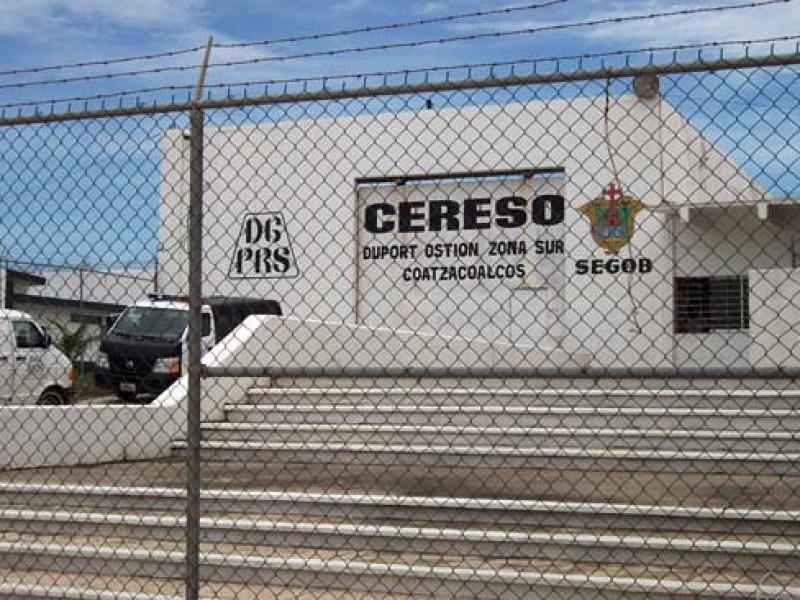 Vacunan a 248 reos mayores de 60 años en Veracruz