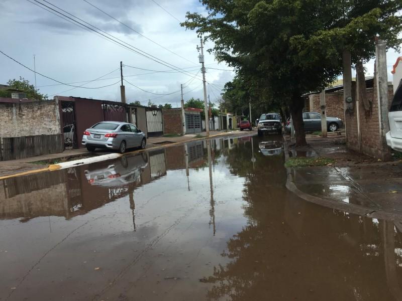 26mm de lluvia deja inundaciones en Los Mochis
