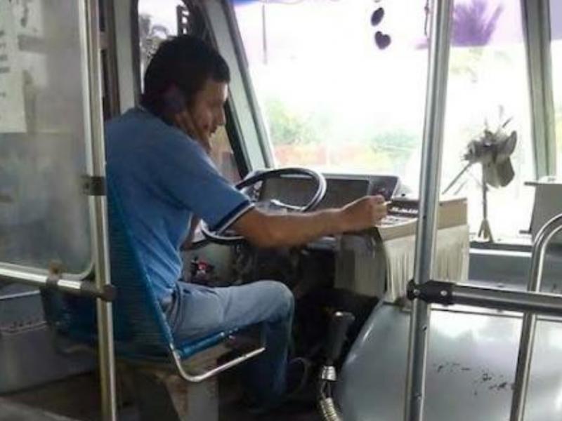 2 mil pesos multa por usar celular