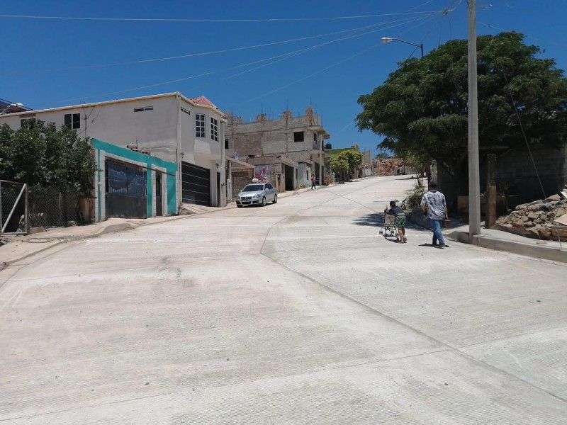 3 ,802,354 pesos costó pavimentar la calle Bella Vista