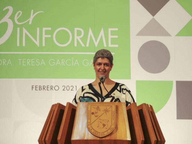 3,- Informe de la Rectora Teresa García UAQ