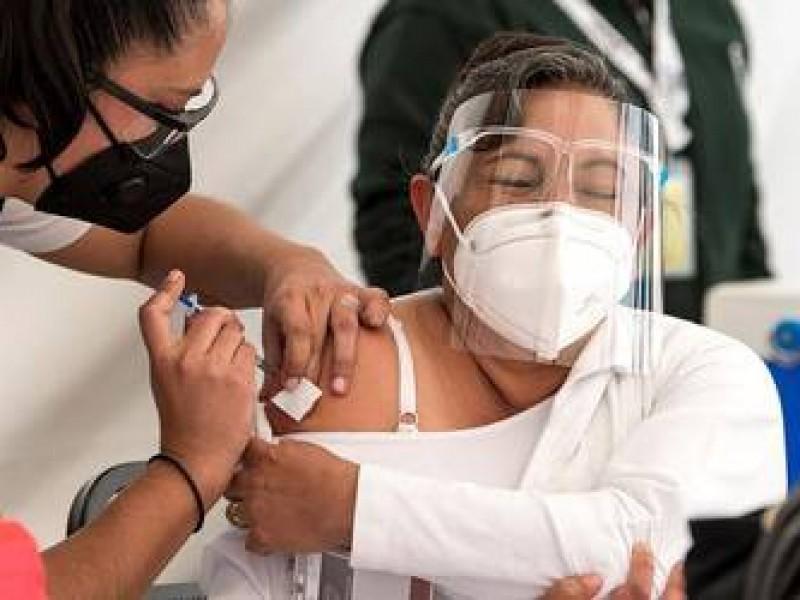 3 mil profesionales de salud esperan campaña masiva de vacunación