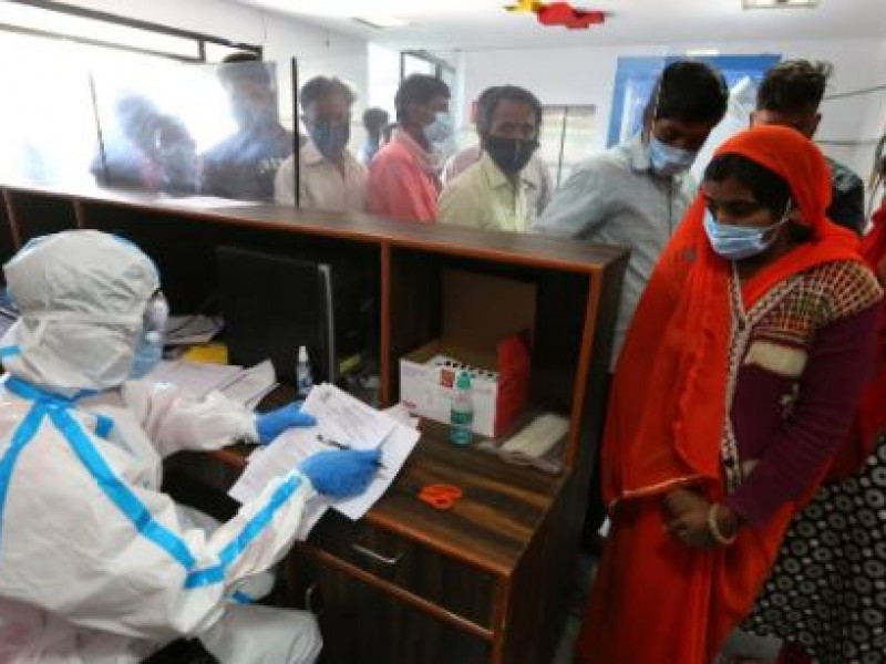 300 personas hospitalizadas por enfermedad no identificada en la India