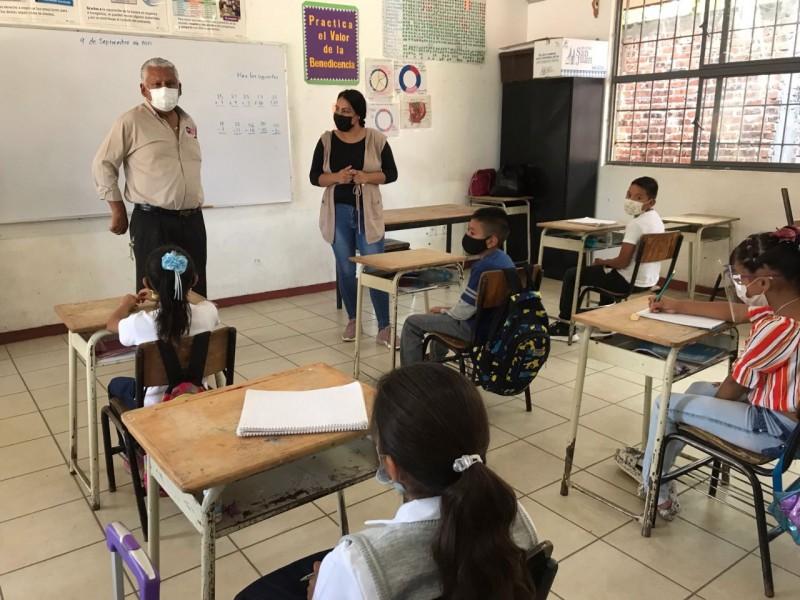 388 casos de covid-19 confirmados en aulas de Guanajuato