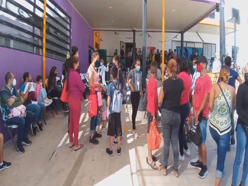 400 familias en Nogales esperan petición de asilo