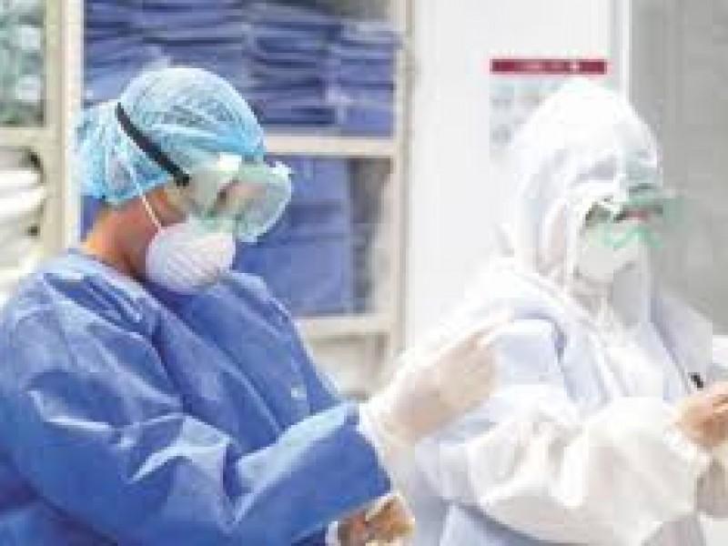4,293 trabajadores de salud dieron positivo a COVID en Puebla