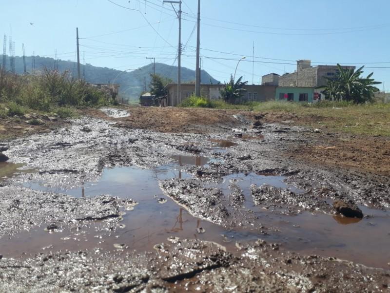 5 años desperdiciando agua en colonia 3 de julio