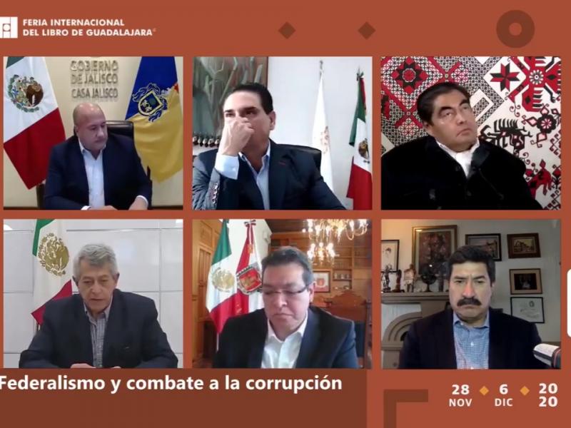 5 gobernadores discuten federalismo y pacto fiscal durante la FIL