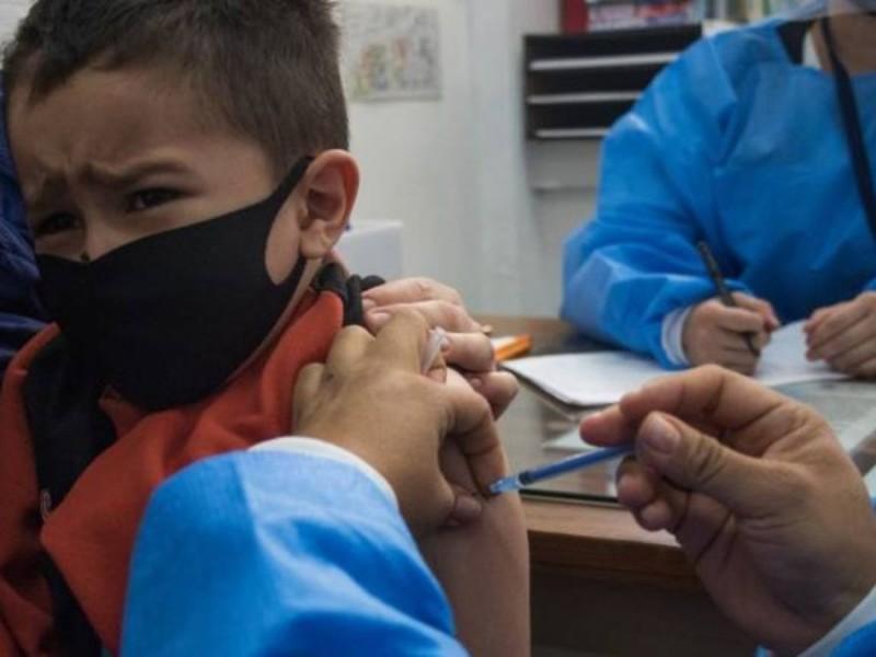 5 niños con amparo reciben vacuna Covid en CDMX