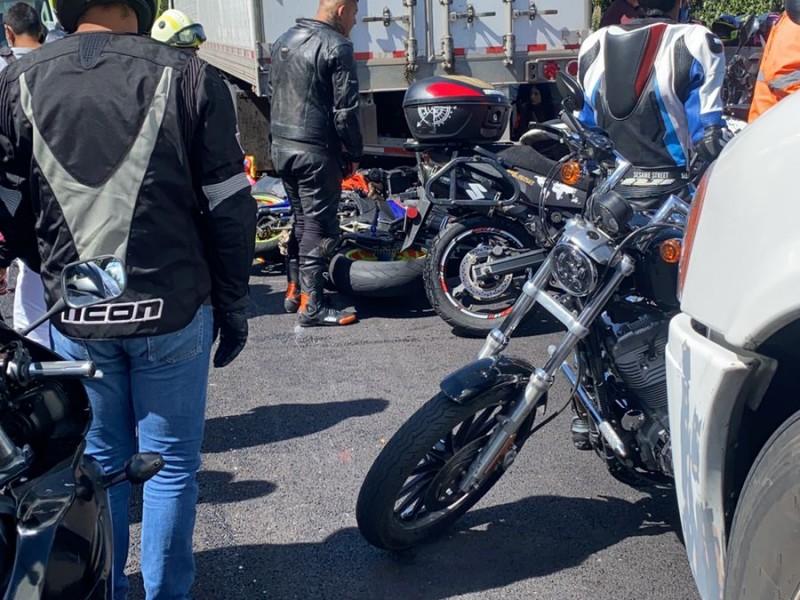 6 motociclistas muertos y 15 heridos en la México-Cuernavaca