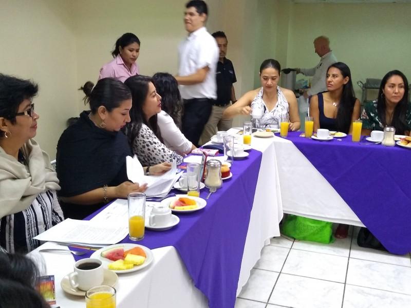 60 Mujeres firman pacto de sororidad en Chiapas