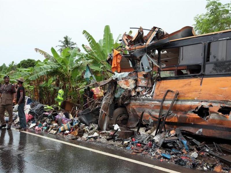 65 muertos por el choque  en Ghana