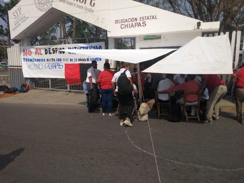 67 trabajadores de CONAFE denuncian despidos injustificados