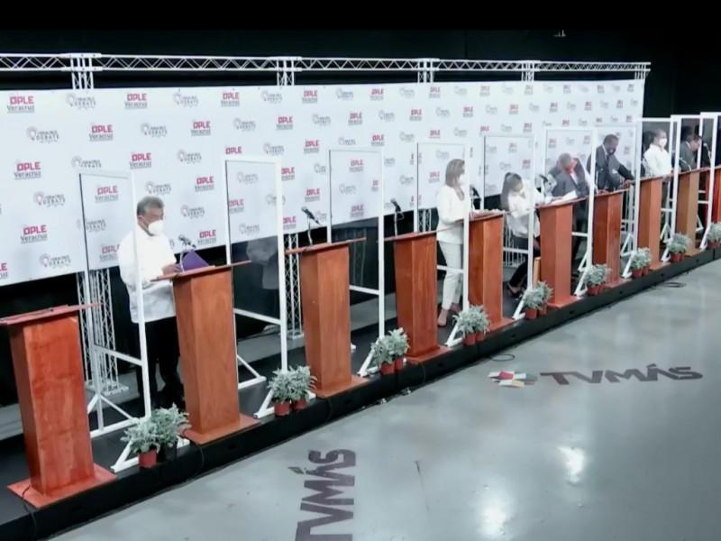 7 de 10 candidatos participaron en debate por alcaldía xalapeña