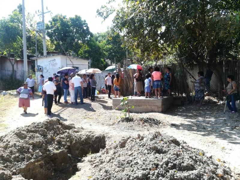 7 semanas sin agua, denuncian vecinos de Bosques del Sur