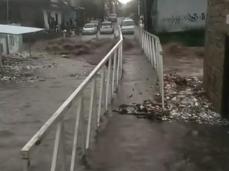 75 casas inundadas en tres colonias por tormenta dominical