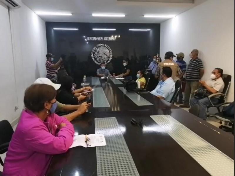 8 de 12 concejales en oposición por administración de SalinaCruz