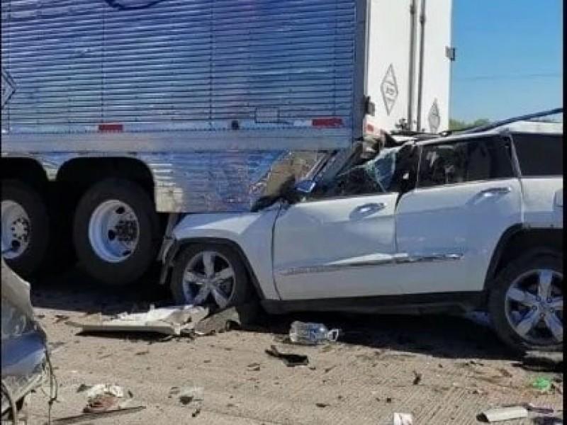 8 lesionados en accidente en carretera Santa Ana - Caborca