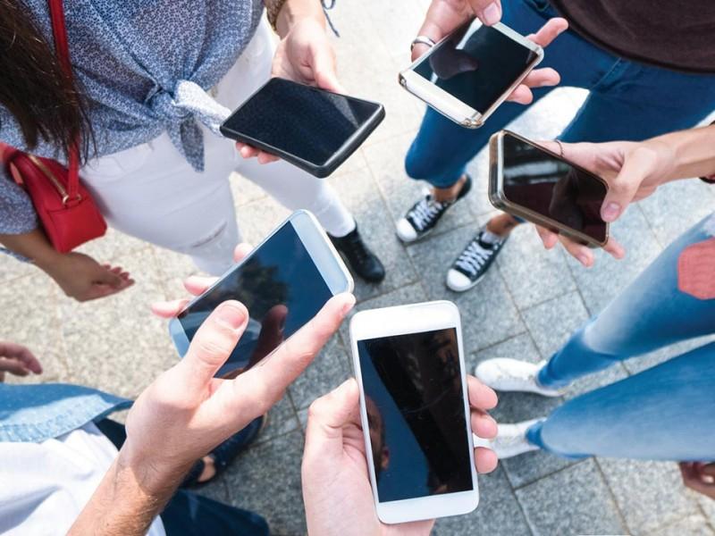 91% de mexicanos usan teléfonos inteligentes; crece dependencia
