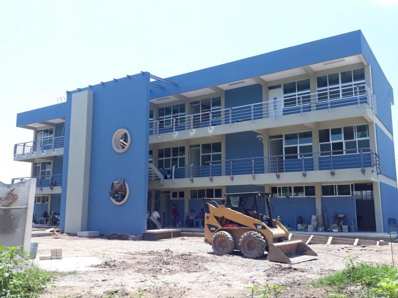 95% de avance reconstrucción preparatoria No. 5 Tuxpan