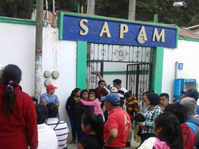 A huelga trabajadores del SAPAM