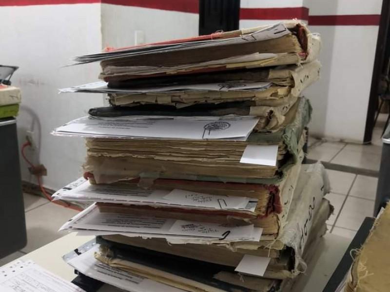 A puerta cerrada trabaja registro civil en Jiquilpan