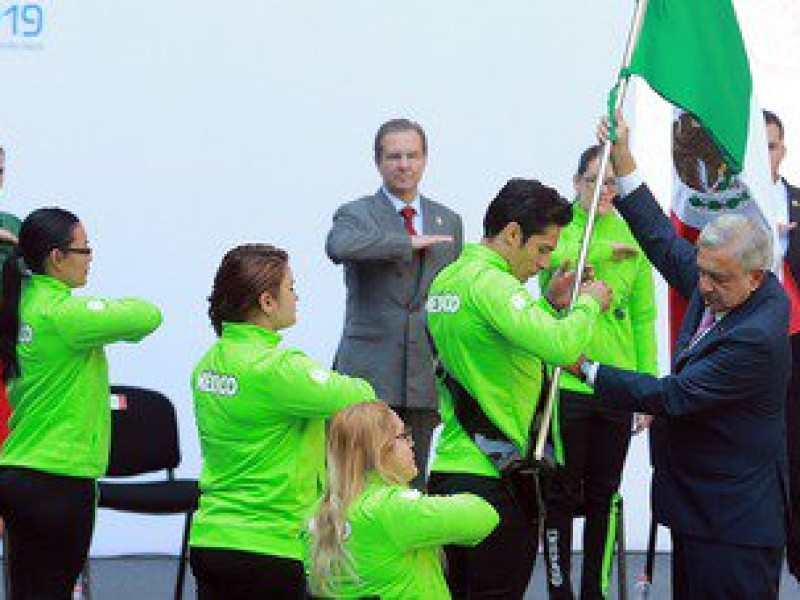 Abanderan a la Delegación Mexicana para los Parapanamericanos