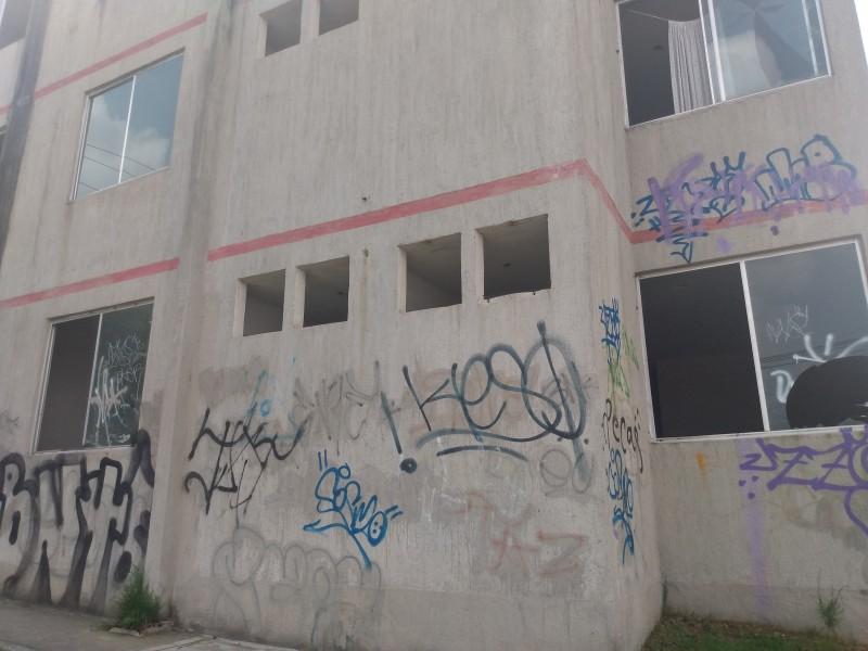 Abandonan casas de INFONAVIT por inseguridad