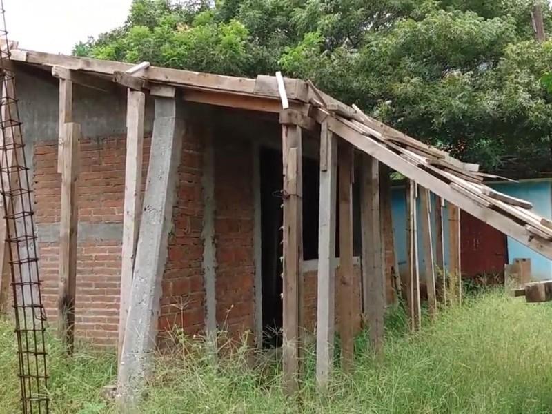 Abandonan reconstrucción de escuelas en San Pedro Huamelula