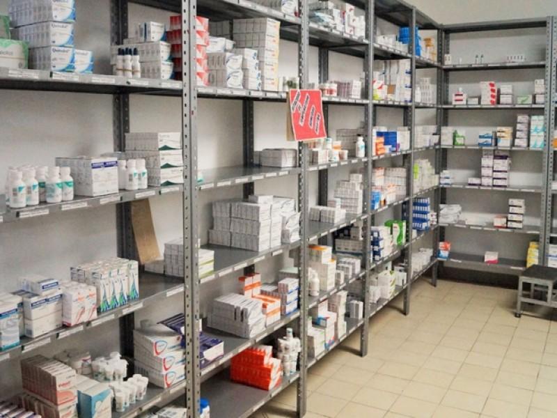 Abasto de medicamentos se dará en un mes más