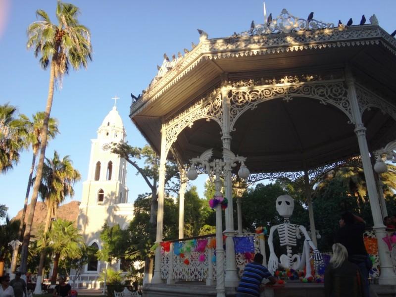Abre IMCA convocatoria para altares de muerto