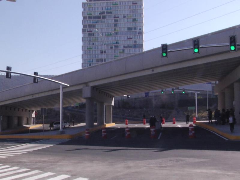 Abren circulación puente inferior de Bernardo Quintana
