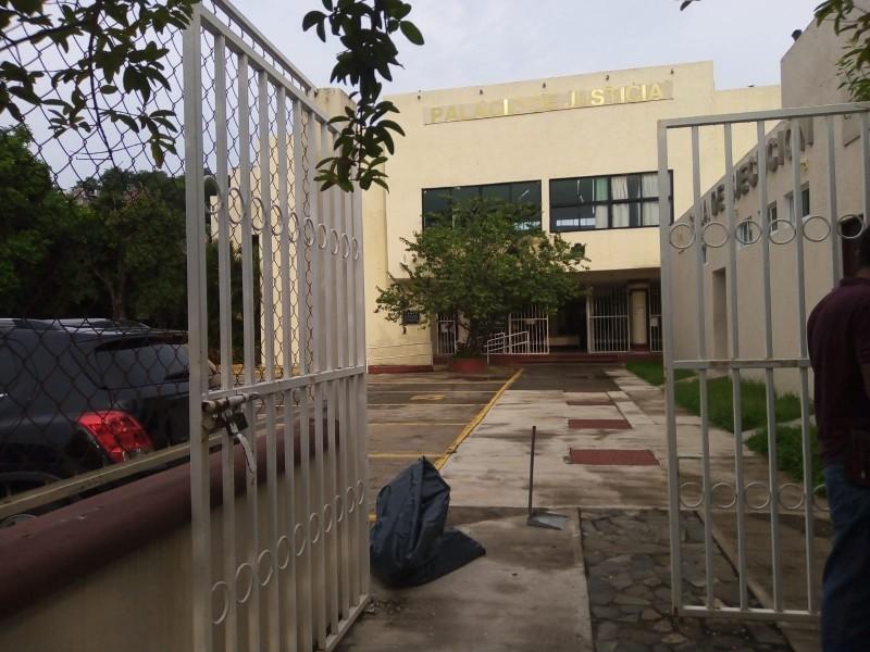 Abren juzgados en Zihuatanejo, trabajadores levanta paro