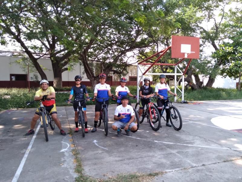 Abren la primera escuela funcional de ciclismo en Juchitán.