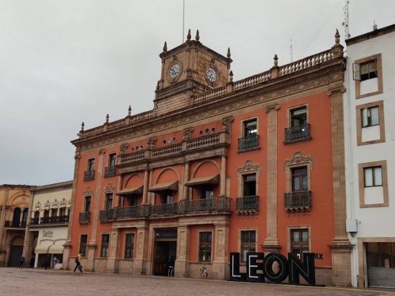 Abrirán los domingos la Presidencia Municipal de León